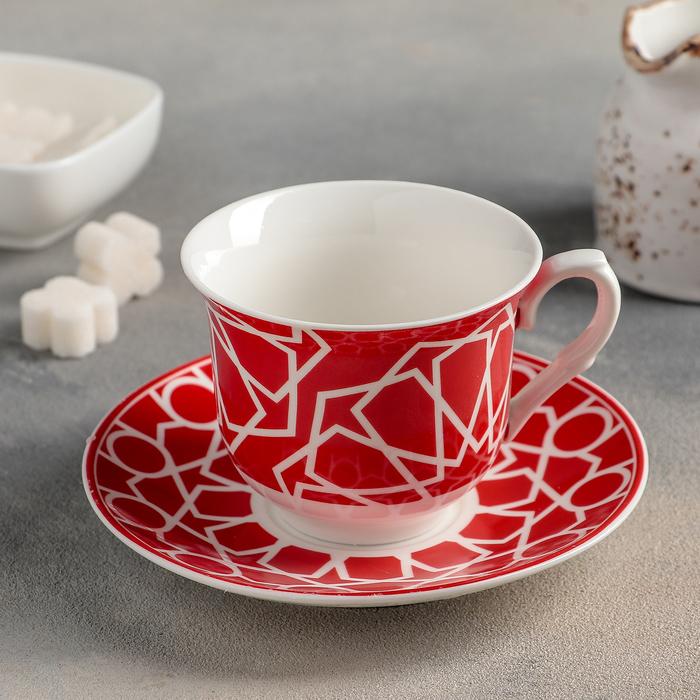 Букет цвета и чайная пара красного цвета, цветов доставка недорого